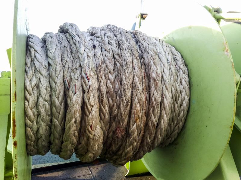 Babina με ένα σχοινί πρόσδεσης θάλασσας Πρόσδεση στο σκάφος στοκ φωτογραφία
