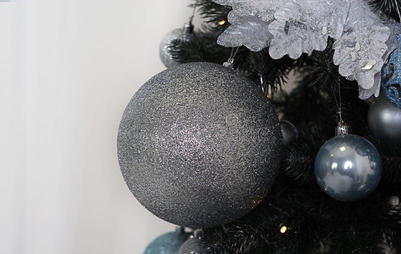 Babioles brillantes d'isolement de Noël de vintage photo libre de droits