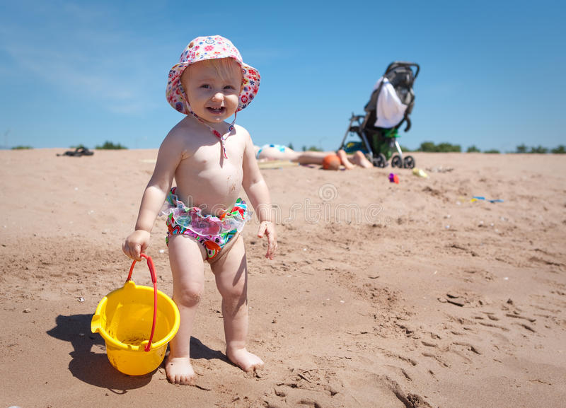 Download Baby stock photo. Image of girl, ocean, kids, playing - 14995162
