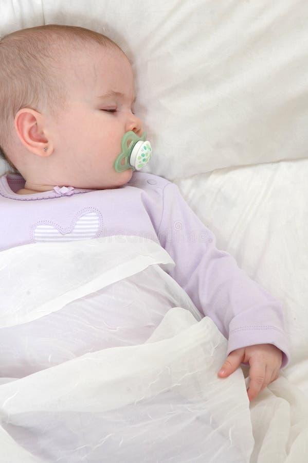 Baby 2 van de slaap stock foto