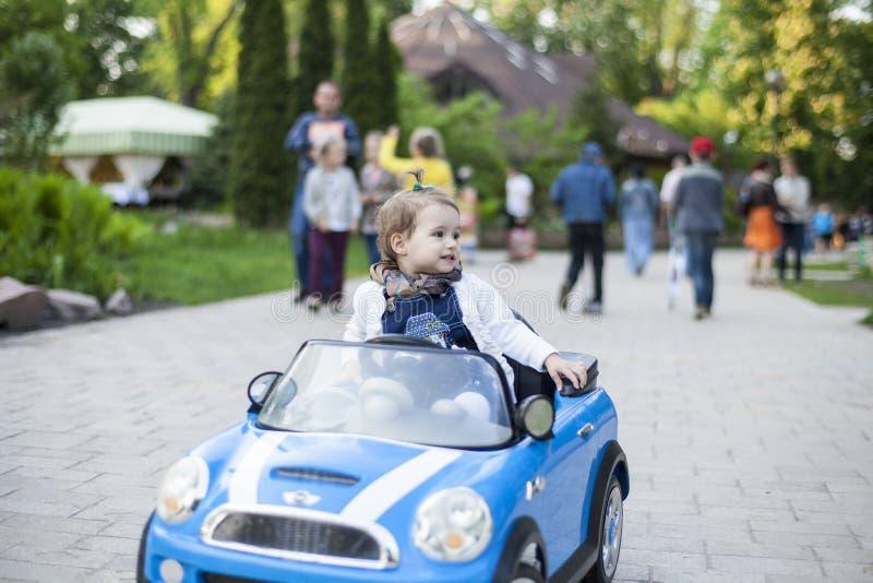 Baby in de auto royalty-vrije stock foto