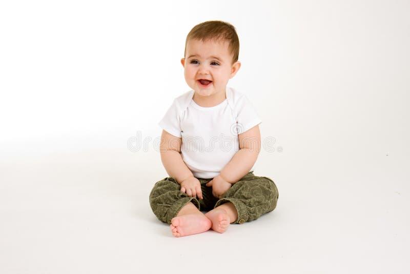 Baby die Grappig iets bekijkt royalty-vrije stock afbeelding