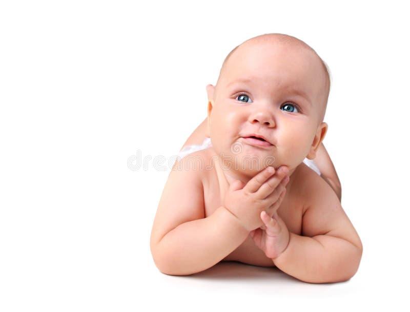 Baby geïsoleerd liggen Pasgeboren op witte achtergrond royalty-vrije stock afbeeldingen