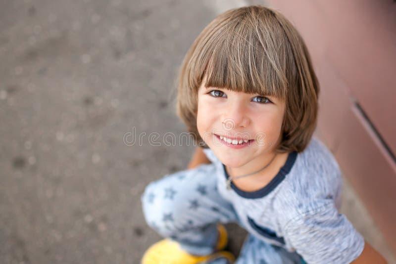 Baby het glimlachen. stock foto's