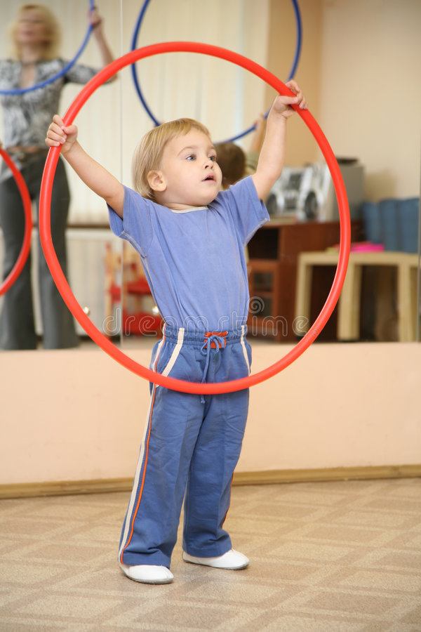 baby hoop play στοκ εικόνες με δικαίωμα ελεύθερης χρήσης
