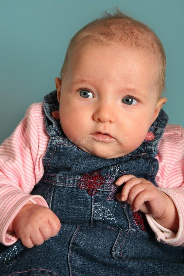 Baby im Studio stockfotos