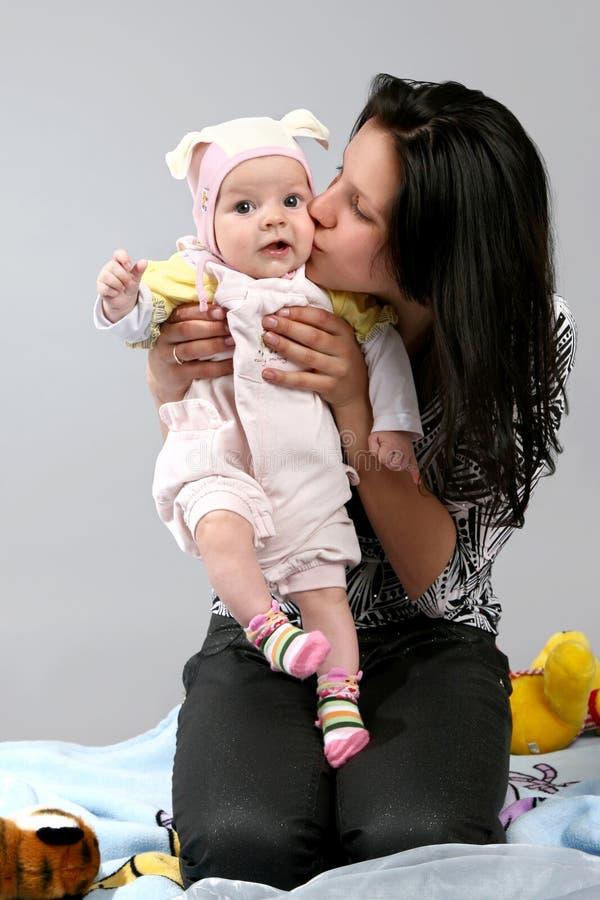 Baby met moeder royalty-vrije stock foto