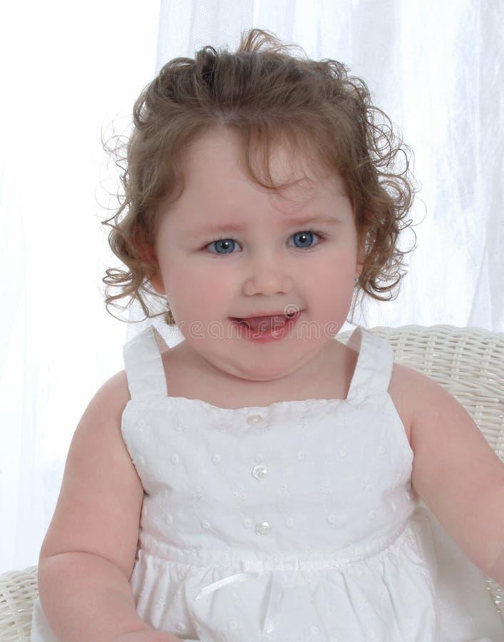 Baby mit blauen Augen lizenzfreies stockbild