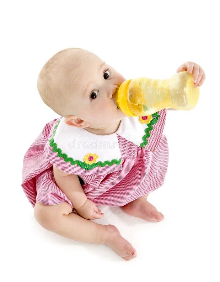 Baby mit Flasche lizenzfreie stockfotos