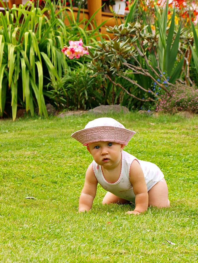 Free Baby Playing Outdoor Royalty Free Stock Image - 18577386