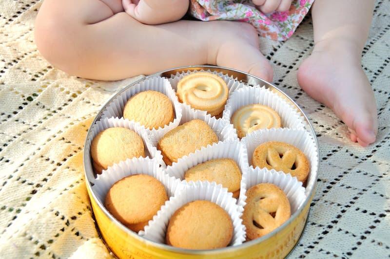 Baby shower och sötsaker arkivbild