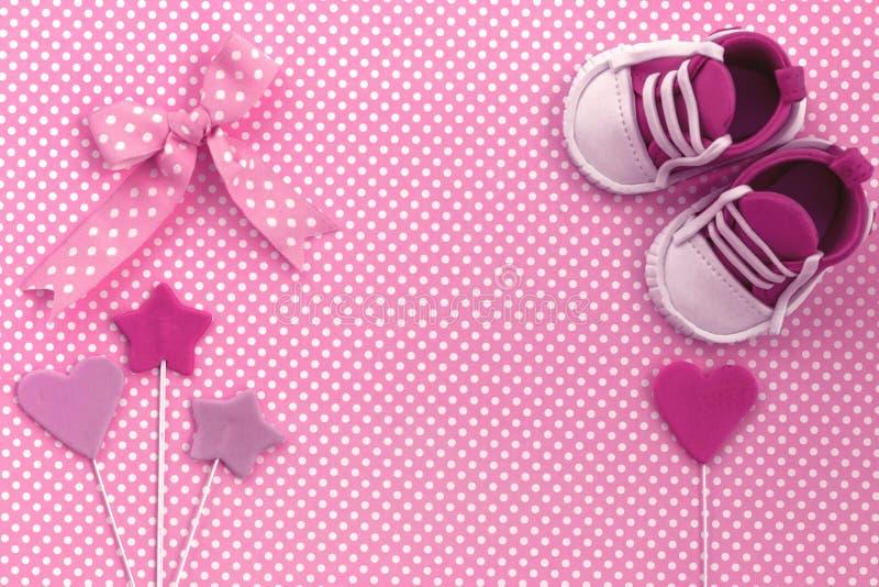Baby showerinbjudan Nyfödd bakgrund royaltyfri fotografi