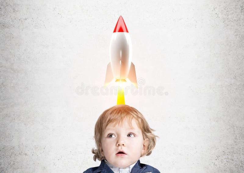 Baby und eine Rakete lizenzfreie abbildung