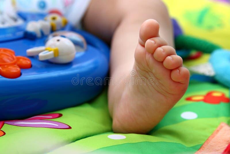 Baby-Zehen stockfotografie