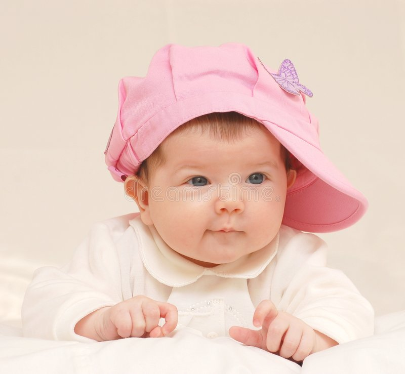 babygirl帽子上升了 免版税库存照片