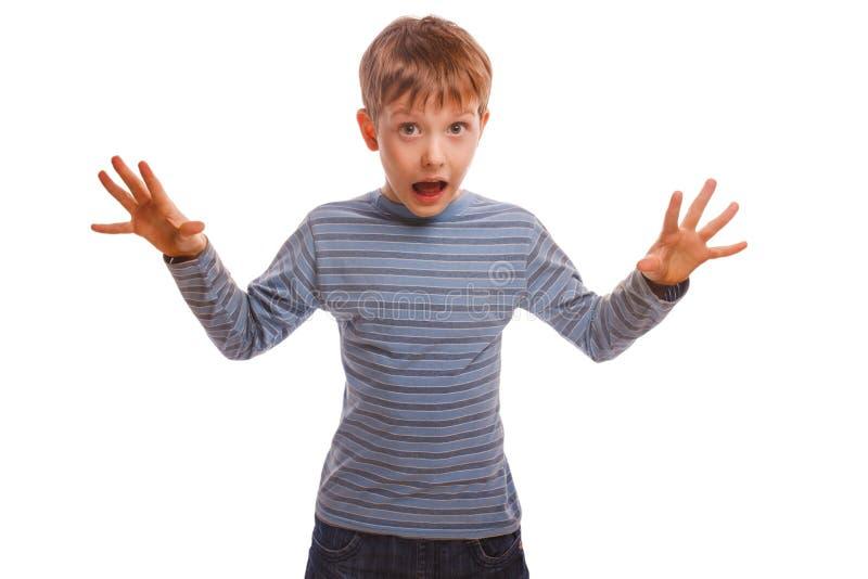 Babykinderdrohungs-Jungenwellen öffneten seinen Mund stockfotos