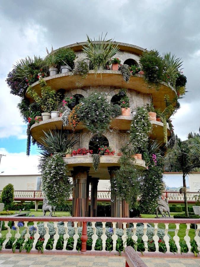 Babylon trädgårdar i parkera Jaime Duque royaltyfria bilder