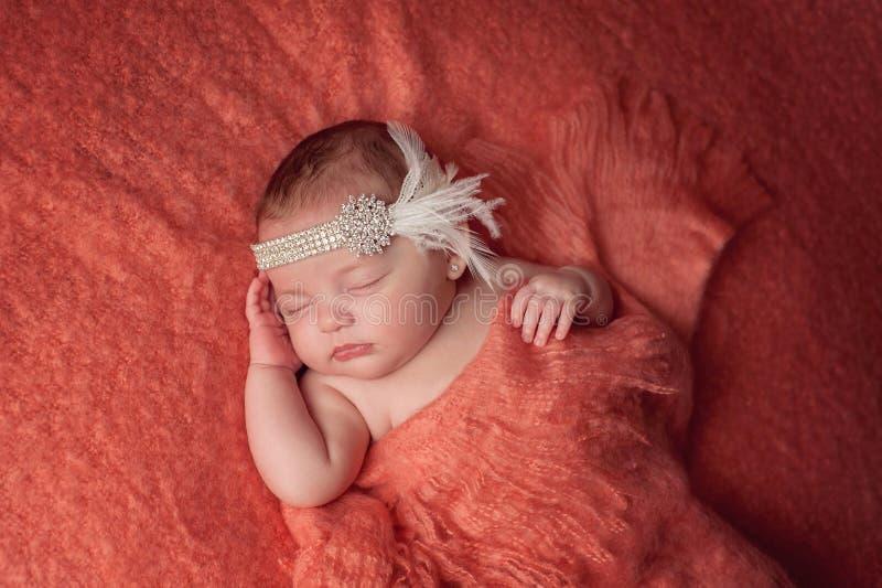 Babymeisje die een Hoofdband van de Bergkristalvin dragen stock fotografie