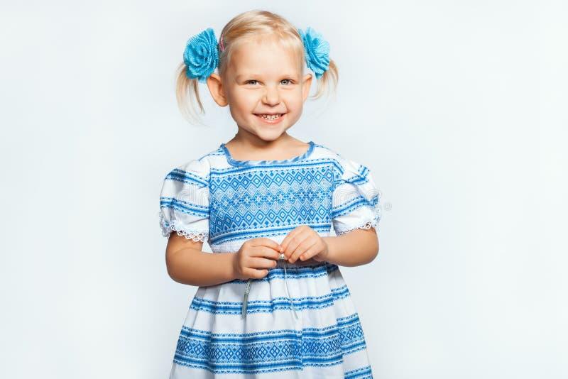 Babymeisje het glimlachen royalty-vrije stock afbeeldingen