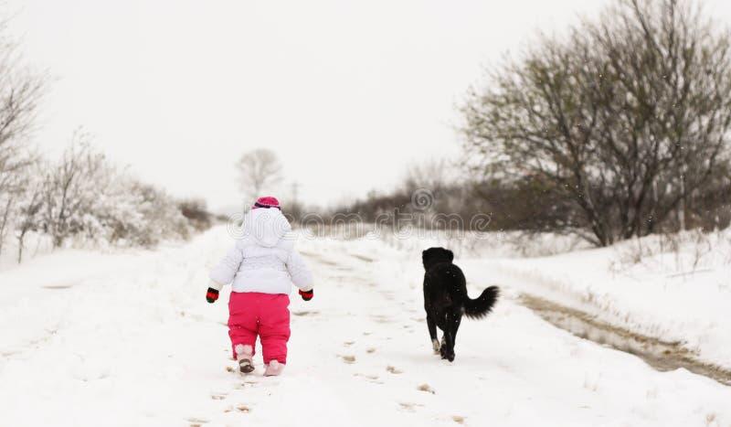 Babymeisje in wintertijd royalty-vrije stock foto's