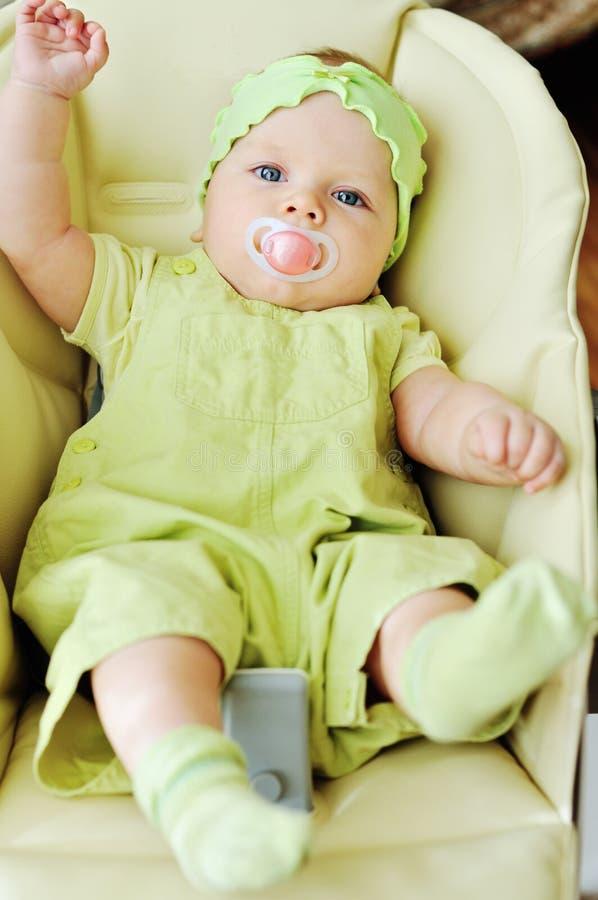 Babyprahlerstuhl lizenzfreie stockfotografie