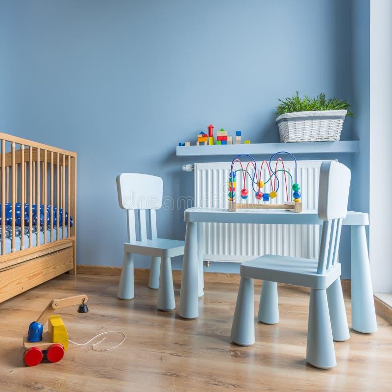 Babyraum im Blau stockbild