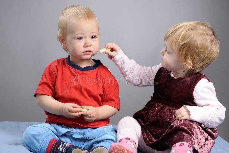 Babyspeicherung lizenzfreies stockbild