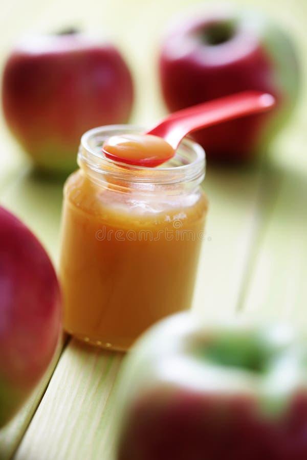 Babyvoeding - appel royalty-vrije stock foto's