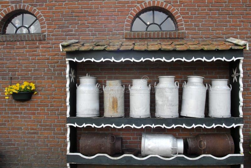 Bac de lait photographie stock