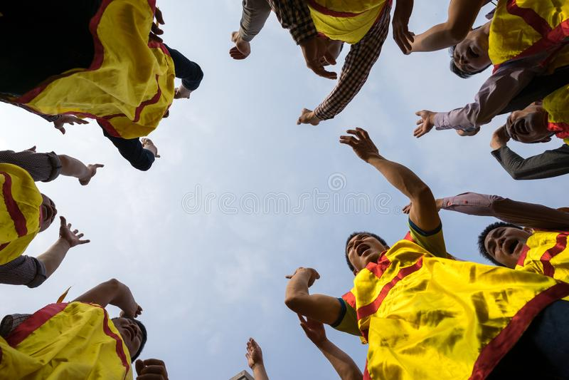 Bac Ninh, Vietnam - 31. Januar 2017: Traditionelles Frühlingsfest Dong Kys, ein spezielles Ritual des Dong Ky-Festivals verwendet lizenzfreie stockbilder