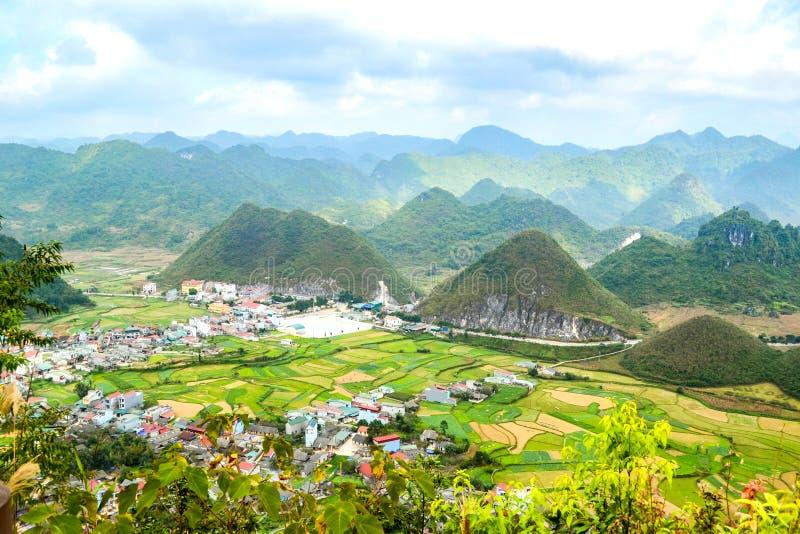 Bac Son-Tal Reisfeld in der Erntezeit, Lang Son-Provinz, Vietnam lizenzfreie stockfotografie