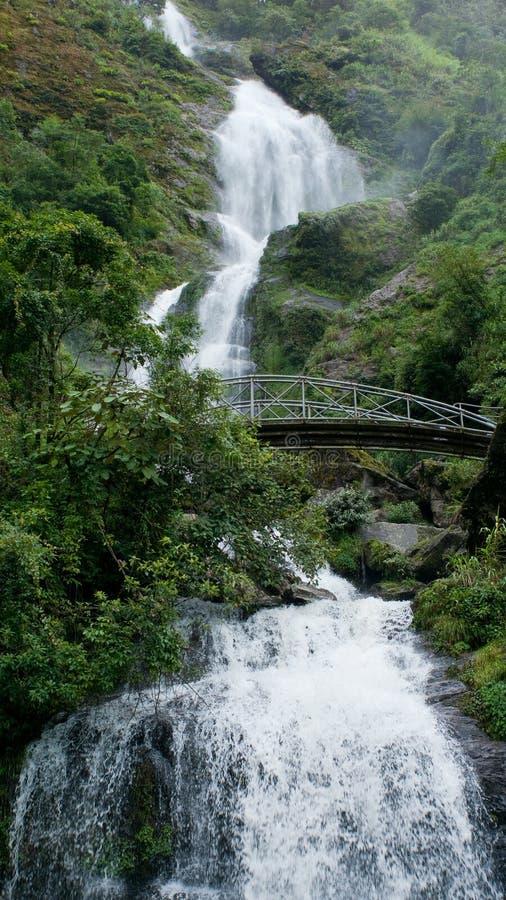 Bac van Thac waterval in Sapa, Vietnam stock afbeeldingen