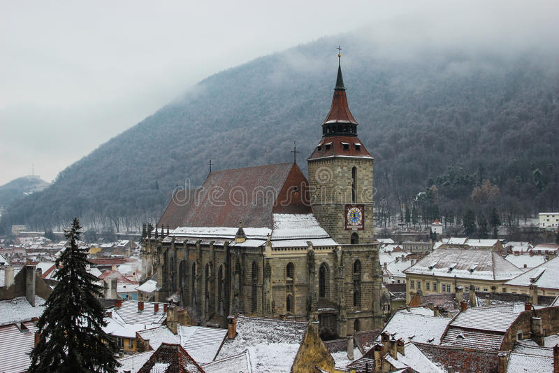 Baccano Brasov - la chiesa nera di Biserica Neagra in Brasov immagine stock libera da diritti