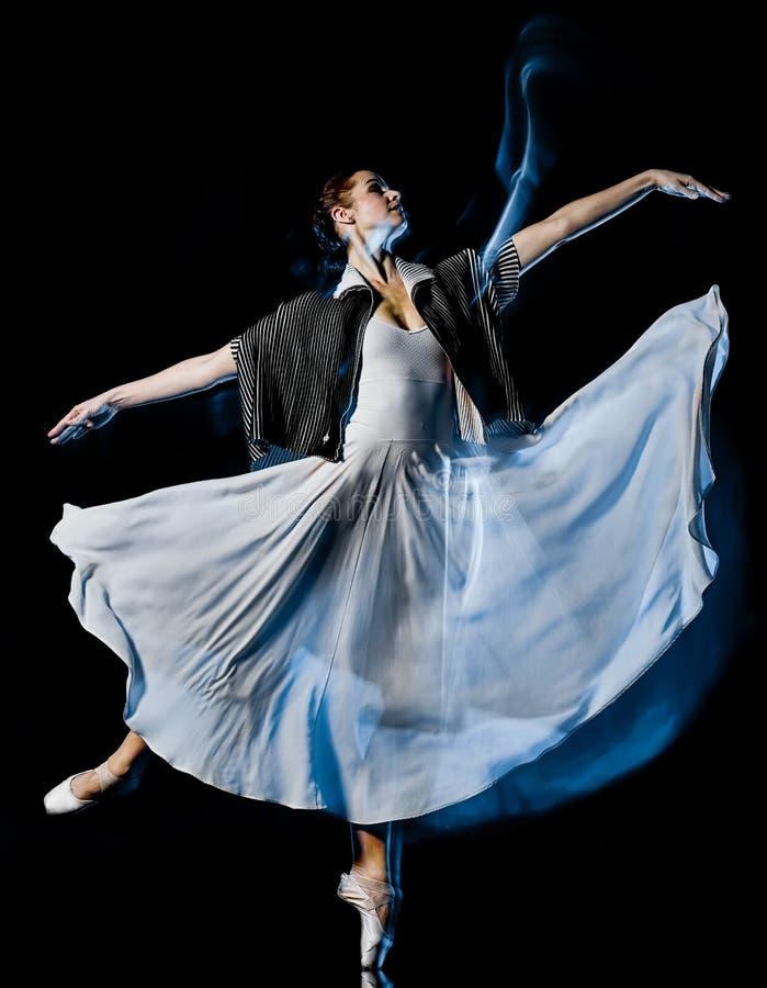 Bacground preto isolado mulher da dança do dançarino de bailado de Odern foto de stock