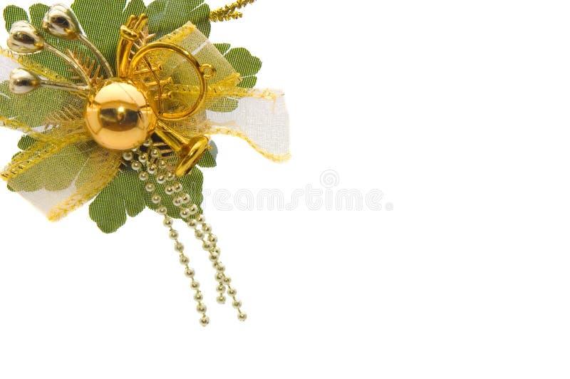 Bachground com as decorações dourado-verdes dos chrismas fotografia de stock royalty free