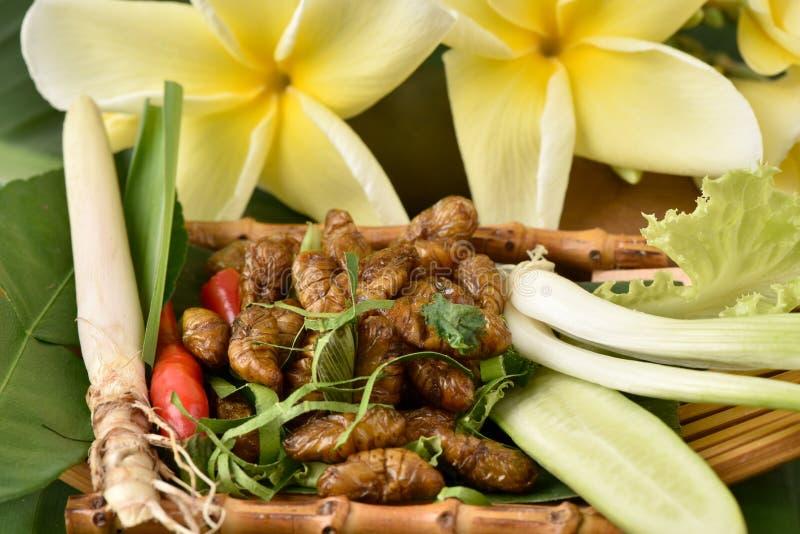 Download Bachi da seta fritti fotografia stock. Immagine di esportazioni - 56876126