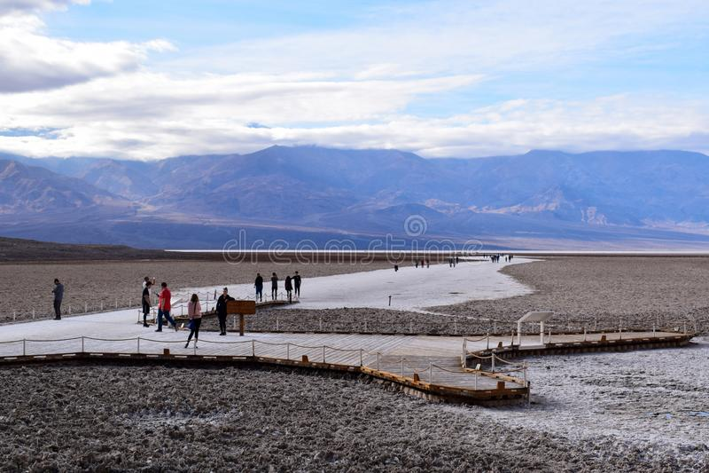 Bacia de Badwater no Vale da Morte foto de stock royalty free