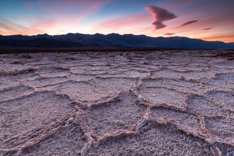 Bacia de Badwater, o Vale da Morte, Califórnia, EUA imagens de stock