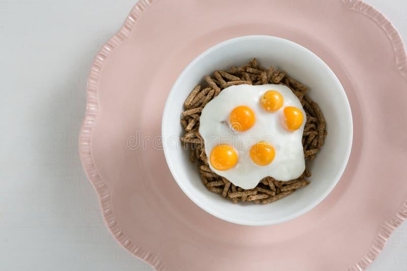 Bacia de café da manhã imagens de stock