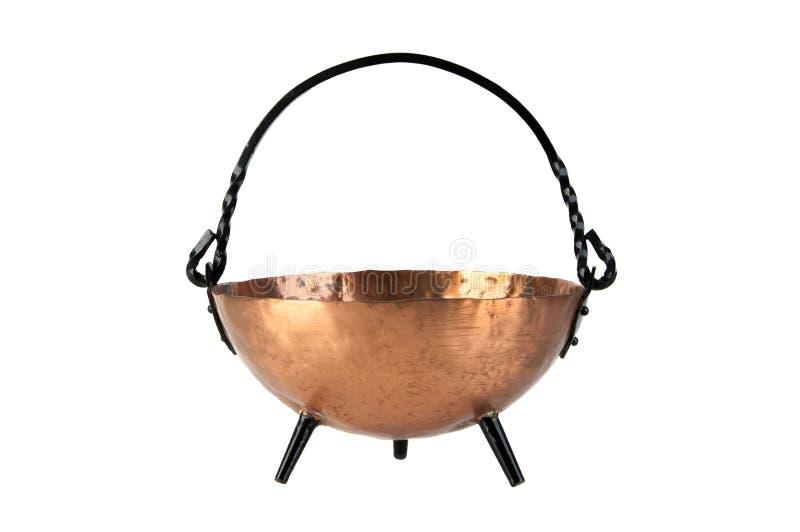 Bacia de cobre do vintage no branco imagem de stock royalty free