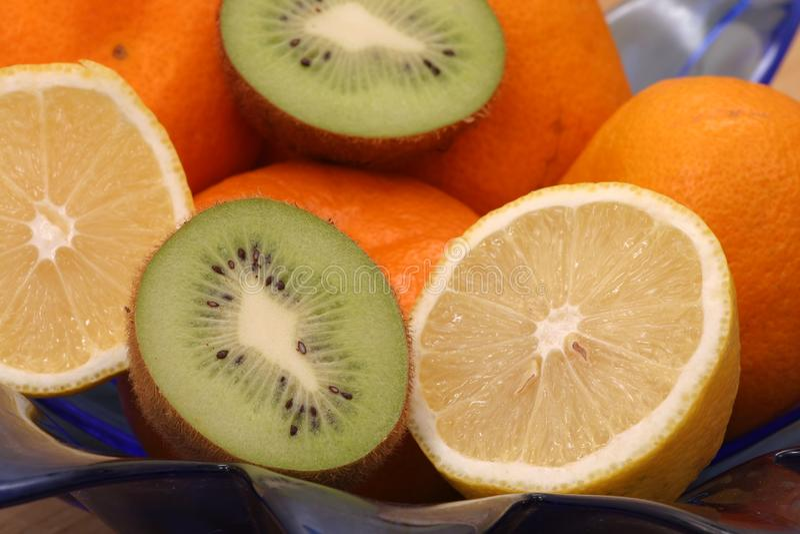 Bacia de fruto imagens de stock royalty free