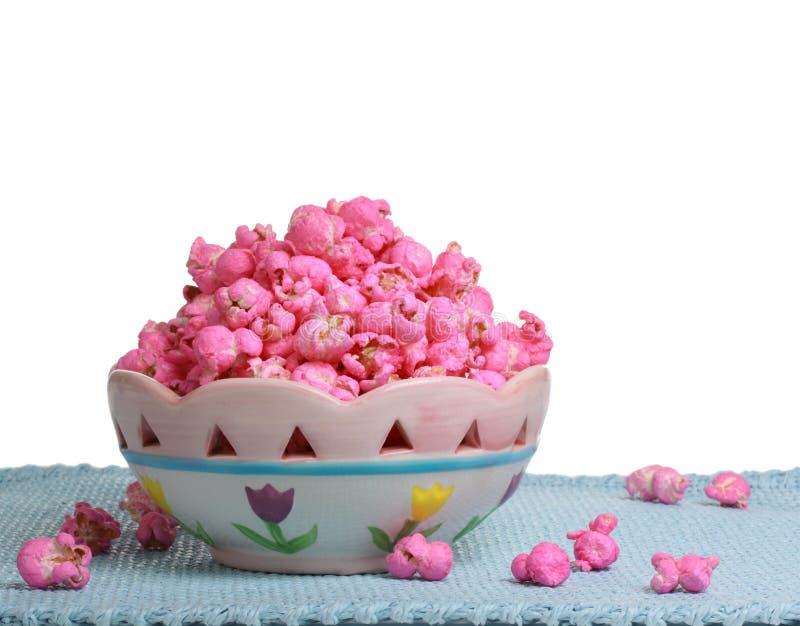 Bacia de pipoca cor-de-rosa imagens de stock royalty free