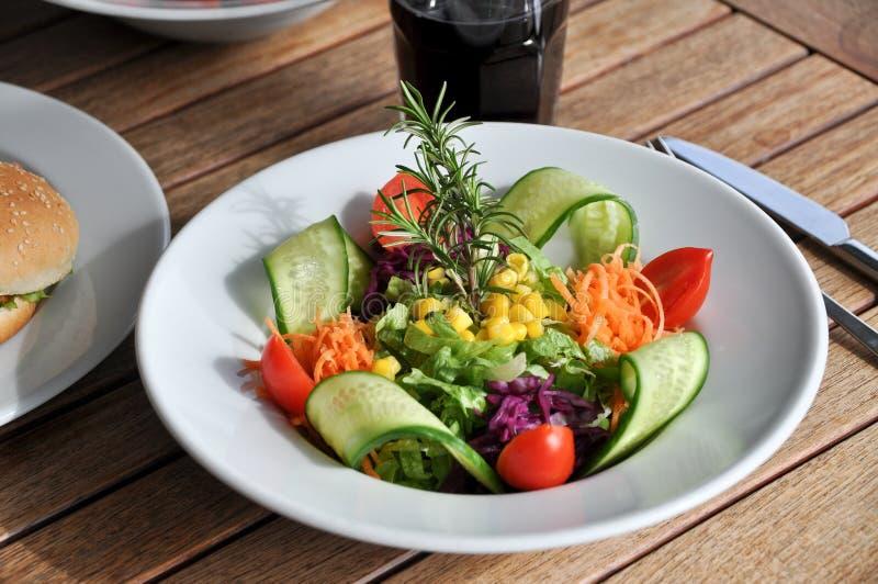 Bacia de salada verde fotografia de stock
