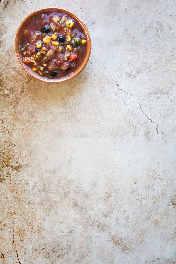 Bacia de salsa com espaço da cópia imagens de stock royalty free