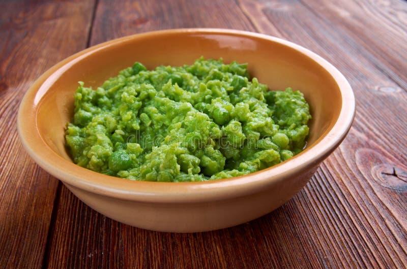 Bacia de sopa de ervilhas, imagem de stock