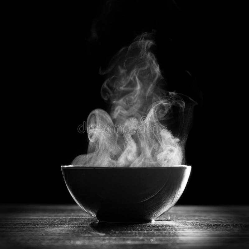 Bacia de sopa quente fotografia de stock