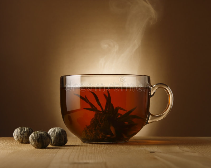 Bacia do chá com chá chinês foto de stock royalty free