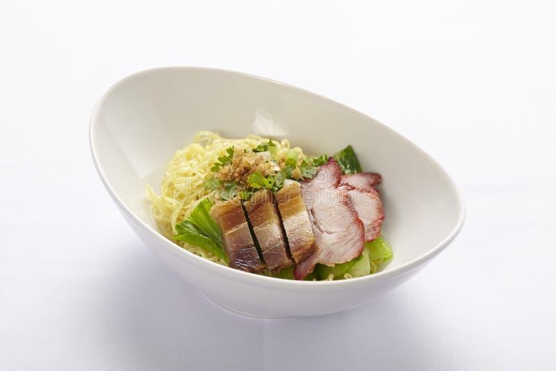 Bacia do macarronete da carne de porco do BBQ fotografia de stock royalty free