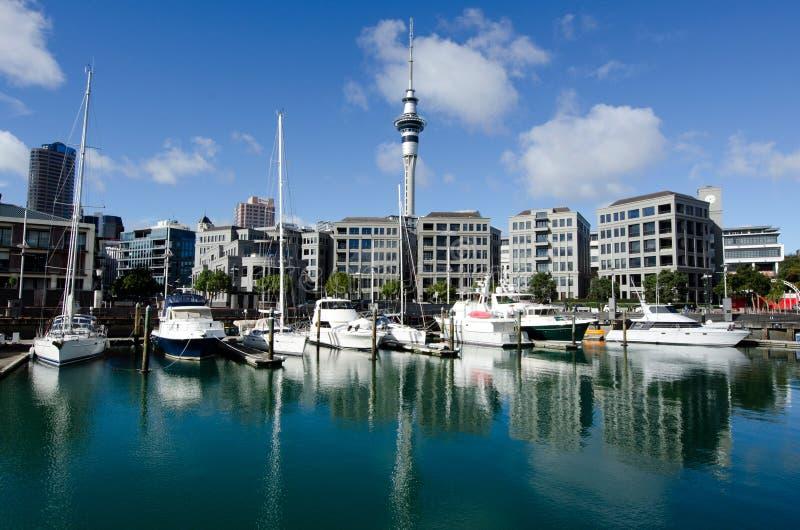 Bacia do porto do viaduto de Auckland fotografia de stock