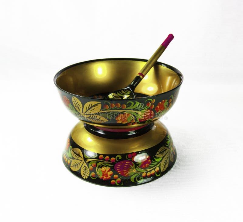 Bacia pintado à mão de madeira, de Khokhloma e colher, arte popular do russo foto de stock royalty free
